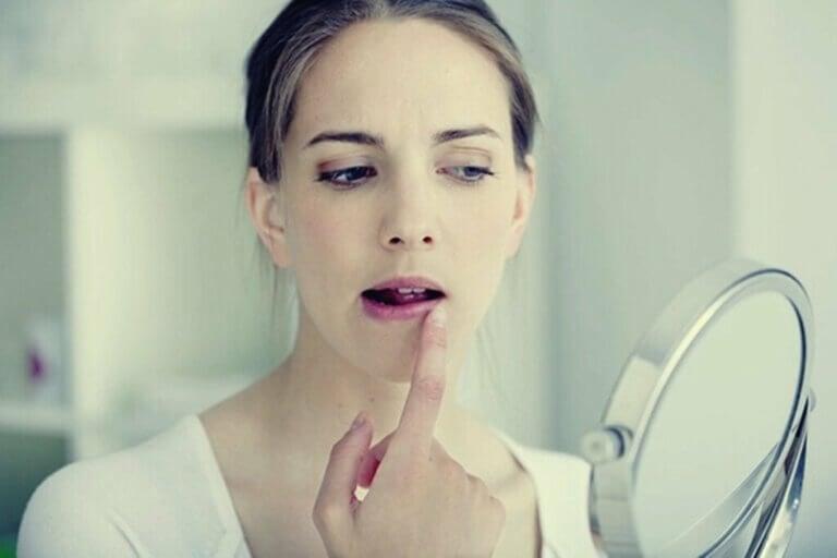 Opryszczka ze stresu: emocje zamieniające się w pęcherze