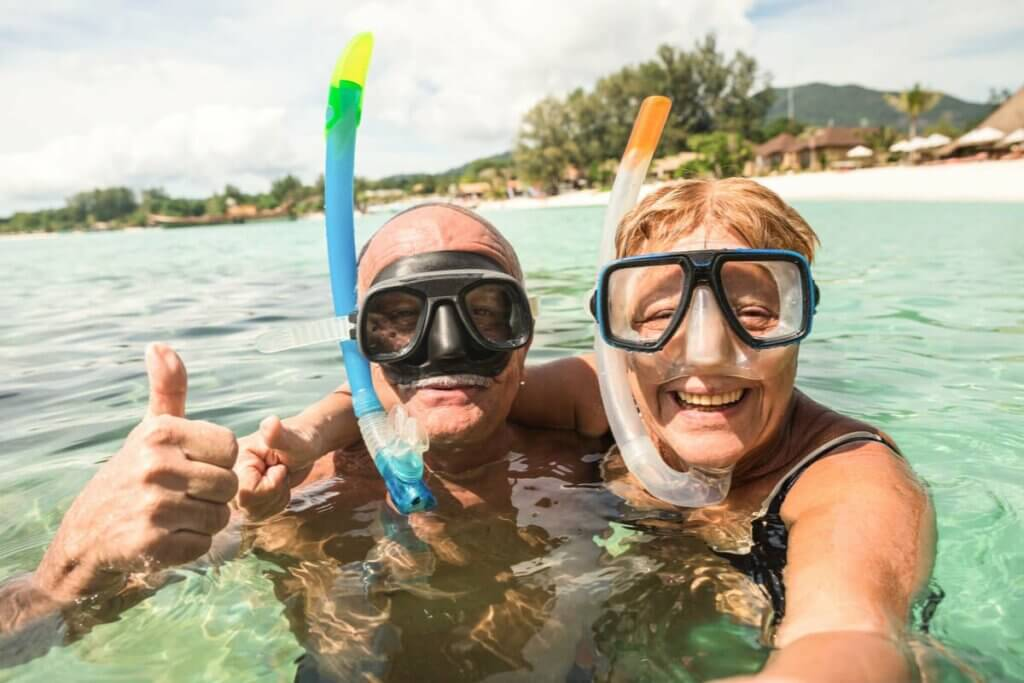 Starsza para na urlopie