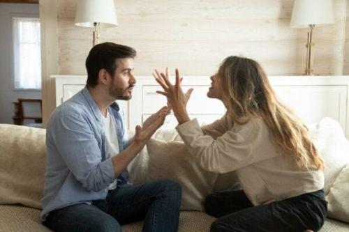 Cykl negatywnych interakcji w relacjach: jak to przerwać?