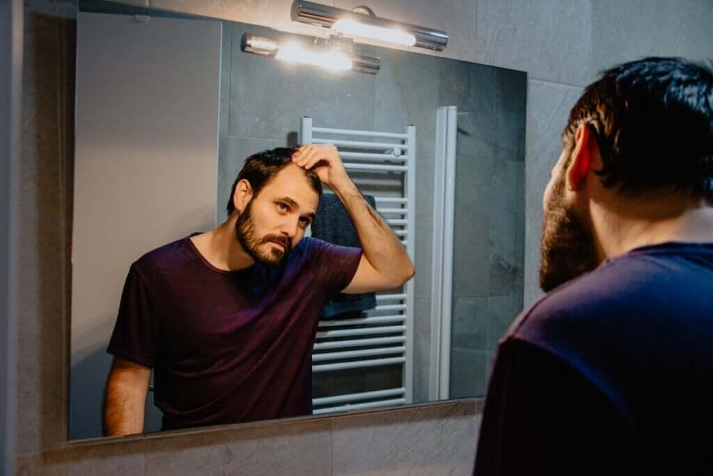 Falakrofobia – strach przed łysieniem: objawy i leczenie