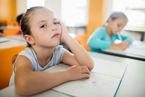 Inteligentni ludzie się nie nudzą w szkole