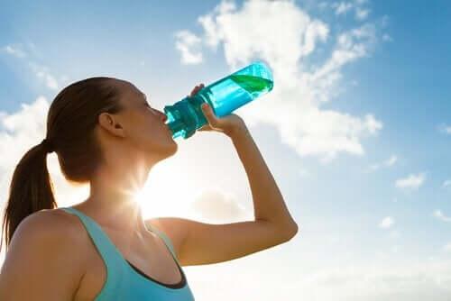 Dlaczego warto pić więcej wody?