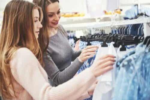 Jak muzyka wpływa na wybór w sklepach odzieżowych?