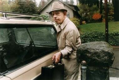 Bill przy samochodzie