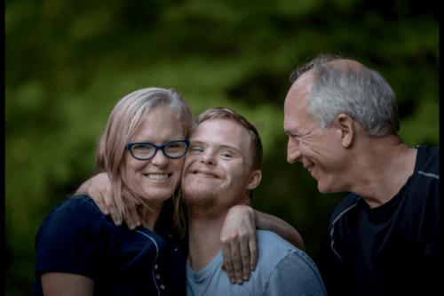Rodzice chłopca z niepełnosprawnością intelektualną