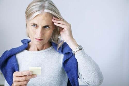 Starsza kobieta z gorszą pamięcią - wirus opryszczki pospolitej a zaburzenia poznawcze