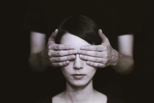 Rozpoznanie irracjonalnych myśli może poprawić Twoje samopoczucie