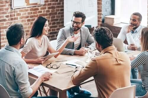 Spotkanie grupowe w pracy