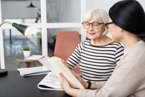 Bycie dwujęzycznym może uchronić przed Alzheimerem