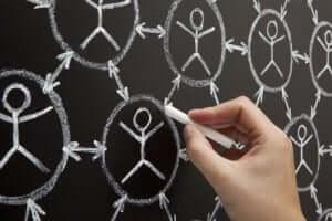 Sześć stopni oddalenia: teoria wspólnych znajomych
