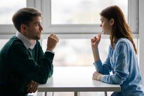 Rozmowa przy stole