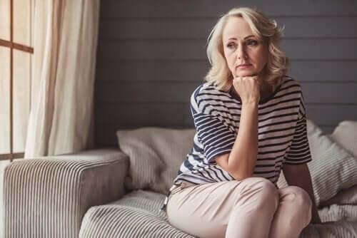 Dlaczego i jak menopauza wpływa na popęd seksualny?