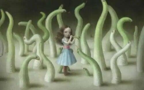 Kobieta w lesie pełnym robaków