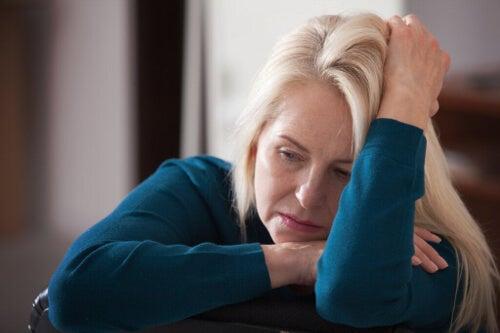 Przetwarzanie bólu zmienia się z wiekiem, w efekcie starzenie się... boli