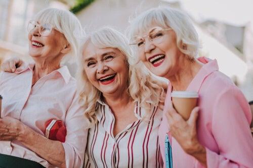 Przyjaźń na starość łagodzi ból jak najlepszy narkotyk
