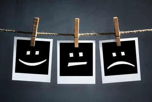 Smutne i szczęśliwe buźki