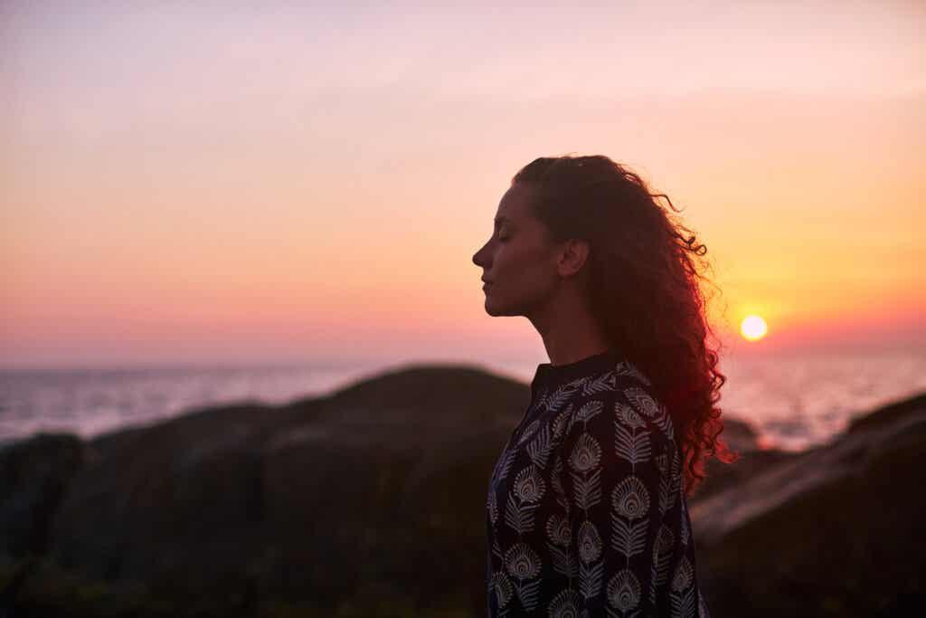 Kobieta nad morzem
