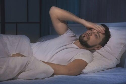 Jak stres wpływa na sen? Możesz poprawić higienę snu!