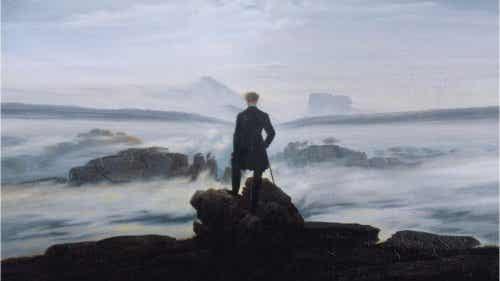 Człowiek patrzący na morze