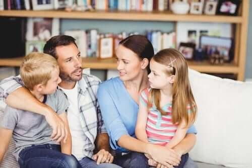 Jak powinna wyglądać asertywna komunikacja z rodziną?