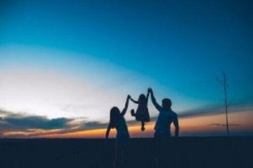 Poznaj cytaty motywacyjne wspierające rozwój rodziny