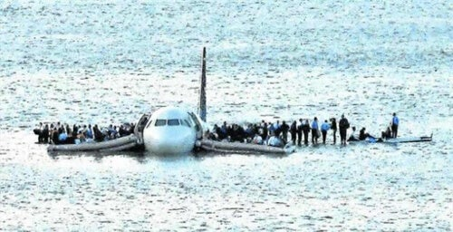 Samolot na rzece
