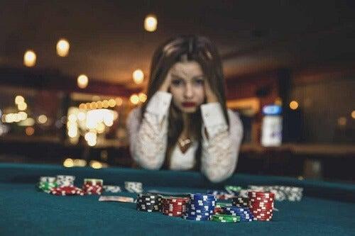Kobieta uzależniona od hazardu