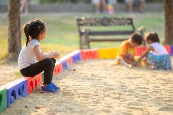 Co możesz zrobić, jeśli Twoje dziecko nie ma przyjaciół?